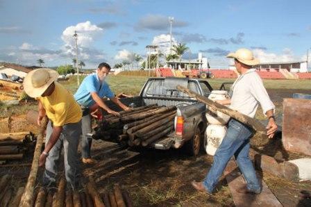 Produtores rurais são beneficiados com madeira tratada em Tapira
