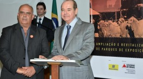 Prefeitura de Pratinha assina convênio para obras no Parque de Exposições