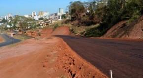 Iniciada pavimentação de trecho sem asfalto da avenida Fátima Porto, em Patos