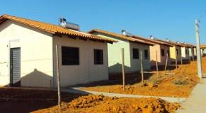 Prefeitura de Patos, Caixa e Construtora assinam contratos de construção de moradias populares