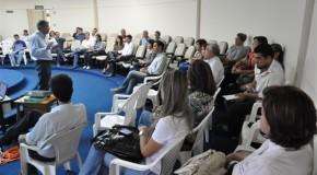 Prefeitura e órgãos ligados ao comércio discutem normas de conduta com lojistas de Araxá