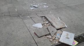 PMA já tem placas de caminhão que pode ter danificado piso do Calçadão da Olegário Maciel