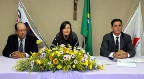 Juvenila Narcisa toma posse na Presidência da Câmara de Tapira