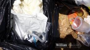 Lixo hospitalar é jogado em área urbana na cidade de Ibiá