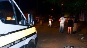 Homem é morto a facadas no meio da rua, no Bairro Dona Marocas, em Ibiá