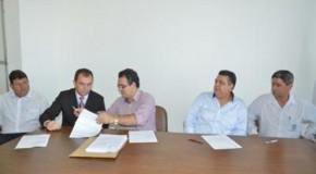 Prefeitura de Patos de Minas assina convênios com a Caixa