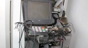 Bandidos explodem caixa eletrônico em agência bancária de Perdizes e trocam tiro com policial