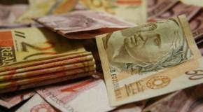Arrecadação de impostos federais fica em R$ 83 bi e bate recorde para o mês