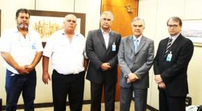 Prefeito de Pratinha reivindica melhorias no atendimento da Cemig no município