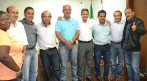 Prefeito interino anuncia exonerações no alto escalão do governo municipal
