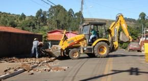 Prefeitura de Tapira começa recuperação de passeios