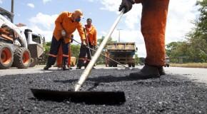 Diretoria de Obras Urbanas de Patos realiza operação tapa buracos