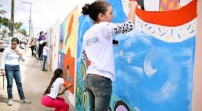 Projeto Arte no Muro colore as estruturas das escolas de Tapira