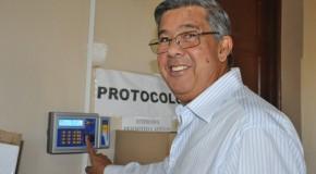 Prefeitura de Araxá começa a implantação do ponto eletrônico