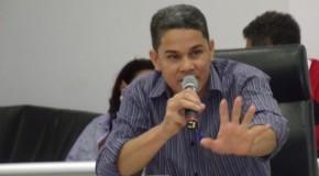 Vereador Farley Pereira cobra reforma do CSU, no Setor Oeste da cidade