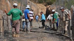 Concretada a base da ponte que ligará os bairros Urciano Lemos e Cincinato de Ávila, em Araxá