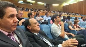 Reitor e coordenador de Curso do Uniaraxá participam de Congresso em Portugal