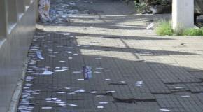 Ruas amanhecem sujas no domingo de Eleições em Araxá