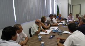 Vereadores se reúnem para esclarecer dúvidas de projetos parados na pauta