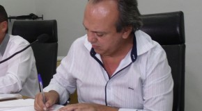 Miguel Junior é notificado durante reunião ordinária e assume prefeitura de Araxá