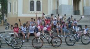 Ciclistas de Araxá aderem Campanha do Outubro Rosa