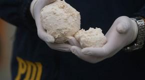Homem preso com cinco quilos de pasta base de cocaína em ônibus rodoviário