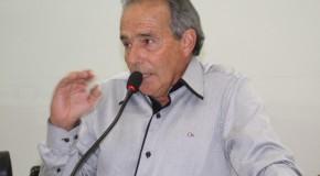 Vereador Eustáquio Pereira pede construção de banheiros públicos no Centro