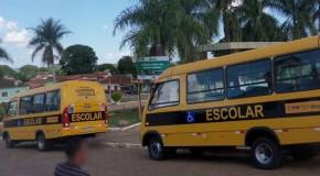 Prefeitura de Pratinha recebe mais dois ônibus escolares
