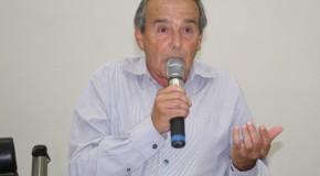 Eustáquio Pereira pede solução para baias construídas na Avenida Senador Montandon