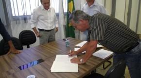 Toma posse o vereador João Bosco Borges, suplente do prefeito em exercício, Miguel Junior