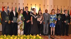 Governo Mineiro homenageia personalidades com Medalha Calmon Barreto