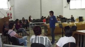 Problema de animais abandonados nas ruas de Araxá é debatido na Câmara