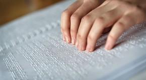 Braille aumenta inclusão de deficientes visuais na sociedade