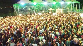 Banda 100% Caipira lota arena do Parque de Exposições Agenor Lemos