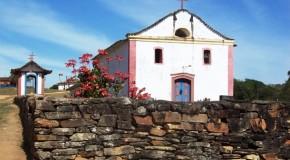 Infiltração na Igreja de Nossa Senhora do Desterro, no Desemboque, é tema de reunião