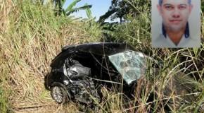 Homem atropela cachorro na rodovia, bate em outro carro e morre