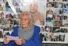 Idosa sacramentana, de 108 anos, recebe placa de homenagem