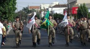 Desfile Cívico comemora os 150 anos de emancipação política de Araxá
