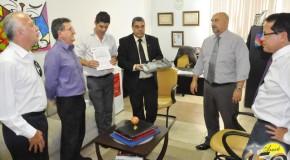 Consep doa decibelímetro para Secretário de Segurança Urbana de Araxá
