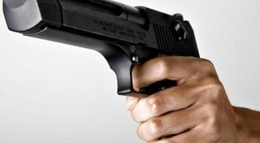 PM procura acusado de atirar com frentista em posto de Nova Ponte