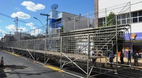 Estrutura do Carnaval de Araxá 2016 já toma conta da área central da cidade