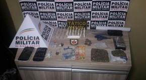 PM prende dois homens por envolvimento com o tráfico de drogas em Araxá