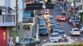 Secretária de Segurança Urbana promove combate ao trânsito pesado no Centro de Araxá
