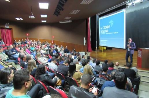 Cidades Digitais e Direito Digital são temas de palestra promovida pela Escola do Legislativo