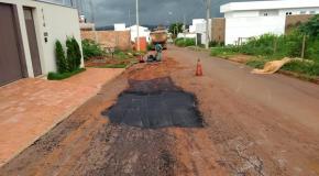 Operação tapa-buracos intensifica trabalhos em diversas regiões de Patos de Minas