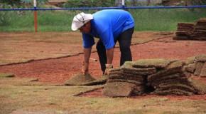 Campo society do Cetap recebe novo gramado