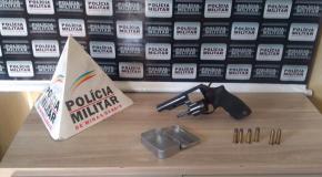 Armas e munições apreendidas pela PM em Araxá e Ibiá