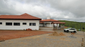 Obras da Escola Municipal de Tobati, em Ibiá, entram na fase de conclusão