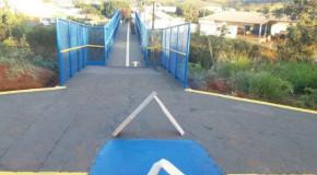 Finalizada reforma de passarela e melhorias na sinalização de acesso à Santa Casa de Perdizes