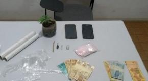 Acusado preso com drogas no Dona Marocas, em Ibiá